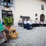 Szüreti mulatságot tartottak a Lenau Ház udvarán az Alte Kameraden fúvószenekar közreműködésével / Weinlesefest auf dem Hof des Lenau Hauses mit der Alte Kameraden Blaskapelle