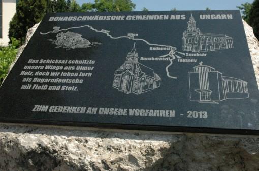10. három sváb település emlékműve - Gedenkmal der drei Gemeinden