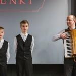 A Sax testvérek és édesapjuk / Die  Brüder Sax mit ihrem Vater