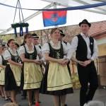 Fellépések a rendezvénysátorban /  Auftritte im Zelt