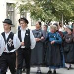 Felvonulás Száron /  Umzug in Saar