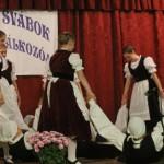 A Taksonyi Dunamenti Fiatal Svábok Kulturális Egyesületének profi tánccsoportja / Die Profitanzgruppe des Vereins der Takser Junger Donauschwaben