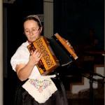 Hajoscher Knopfharmonikaspielerin (Foto: Robert Ginál)
