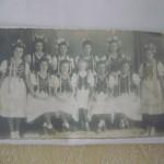Mädels in ungarischer Tracht - Archivaufnahme aus 1940