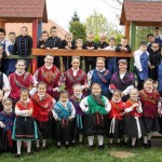 TrachtTag 2021 im Regenbogen Kindergarten in Wemend/Véménd (Foto: Dénes Baracs)