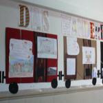 Die SchülerInnen der Roten Schule bereitete sich auf den Empfang des Wanderbündels vor