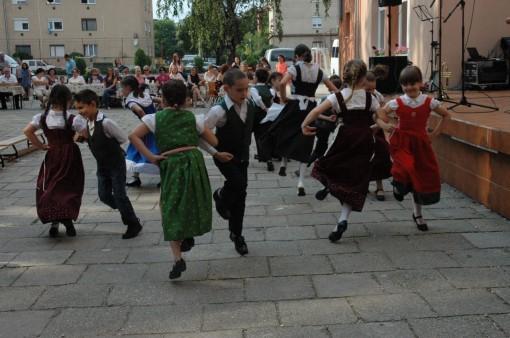 2. Tanz der Klasse 1c - az 1c tanca