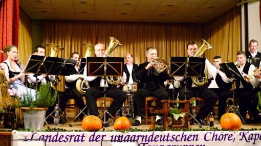 2015-10-17  FAMIIENMUSIK  50     L1000152 Gem. Spiel