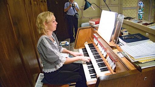 2016-09-10_20-_kirchenmusik___l1020781_054_organistin_zselinszky