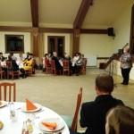 Ibolya Hock-Englender begrüßt die Gäste