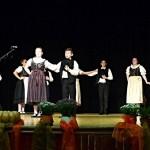 Die Kränzlein-Tanzgruppe aus Bonnhard