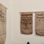 Zsákkiállítás a HdU-ban / Sack-Ausstellung im HdU