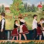 A szómódi Német Nemzetiségi Gyerektánccsoport is fellépett azt újévi rendezvényen / Auch die ungarndeutsche Kindertanzgruppe von Sammet wirkte bei der Neujahrsveranstaltung mit