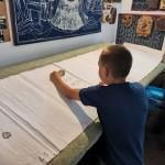 Nationalitätencamp in Großnaarad: Als Lehrling in der Blaufärberwerkstatt