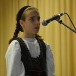 Vivien Bischof erzählte eine Mundartgeschichte im Nadwarer Dialekt / Bischof Vivien egy történetet mesélt el nemesnádudvari nyelvjárásban