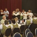 A rendezvény közös énekkel és tánccal zárult