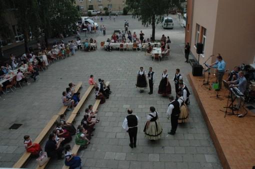 6. Taenzer und das Orchestra- tancosok es a zenekar