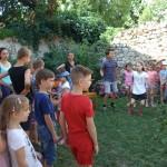 A tánc és az ének mellett természetesen a játékok sem hiányoztak /  Neben Tanzen und Singen wurde selbstverständlich auch gespielt