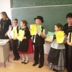 A nyelvjárás kategória 3-4. osztályos korosztályának helyezettjei / Die Platzierten der Kategorie Mundart 3.-4. Klasse