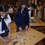 Die Kinder konnten auf die Ergebnisse wartend Geschicklichkeitsspiele ausprobieren / Az eredményre várva a gyerekek ügyességi játékokat próbálhattak ki