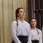 Szentgyörgyi Veronika, a Tamási Áron Gimnázium diákja / Veronika Szentgyörgyi, Schülerin des Tamási-Nationalitätengymnasiums