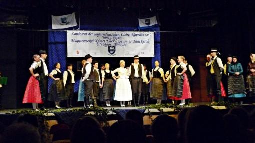 """""""Füzes"""" Tanzgruppe aus Wiehall-Kleinturwall/Biatorbágy"""
