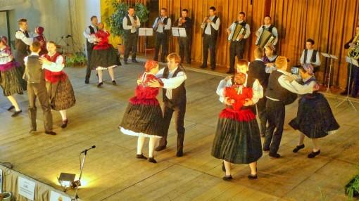 HD 2014-10-18 Tanz Großmanok L1000845 0080 wemend