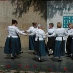 A szigetszentmártoni Hexerei Senior Tánccsoport / Die Hexerei-Seniorentanzgruppe Sankt-Martin
