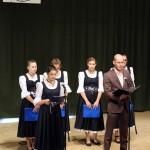 A megemlékezés a Grassalkovich Iskola aulájában folytatódott / Die Gedenkveranstaltung setzte sich in der Aula der Grundschule Grassalkovich fort