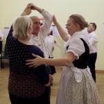A táncházat Gölcz Mira vezette / Mira Gölcz leitete das Tanzhaus