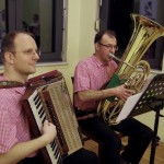 A Sax testvérek kiválóan muzsikáltak / Die Brüder Sax musizierten hervorragend