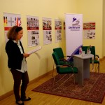 """Claudia Walpuski megnyitja """"A német egységhez vezető út"""" c. kiállítást / Claudia Walpuski eröffnet die Ausstellung """"Der Weg zur Deutschen Einheit"""""""