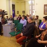 A közönséget is megrázták a hallottak / Auch das Publikum wurde von den Gehörten erschüttert