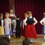 Az óvodások babarci mondókákkal is készültek / Die Kindergartenkinder haben sich auch mit Bawazer Reimen vorbereitet