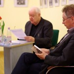 Hans Dama bemutatja a könyvet / Hans Dama stellt das Buch vor