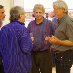 Beszélgetések a megnyitó utän / Gespräche nach der Vernissage