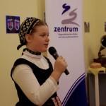 Anna Schulteisz erzählte eine humorvolle Mundartgeschichte / Schulteisz Anna egy humoros történetet mesélt német nyelvjárásban