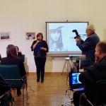 Ambach Mónika, a Zentrum igazgatónője, mint az est háziasszonya / Zentrum-Direktorin Monika Ambach war die Gastgeberin der Veranstaltung