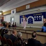 Auftritt der Gastgeberschule / Az iskola tánccsoportjának fellépése