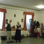 Andresz Györgyné megnyitja a kiállítást / Zsuzsanna Andresz eröffnet die Ausstellung