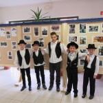 Bólyi diákok viseletben / Bohler Schüler in Tracht