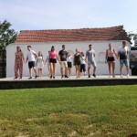 Bei einer Tanzgruppe gehört  der Tanz auch bei einem Ausflug zum Programm