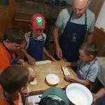 Nationalitätencamp in Großnaarad: Kochen und Backen in Litowr