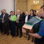 Eredményekre várva a Magyarországi Németek Házában / Im Haus der Ungarndeutschen wartet man auf die Wahlergebnissse
