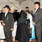 Nagynyárádi lakodalmasok Szomódon / Großnaarader Hochzeitsgesellschaft in Sammet