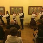 Drei Paare der Hajoscher Tanzgruppe / Három pár a Hajósi Tánccsoportból