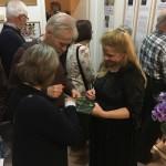 Sokan jöttek el a kiállításmegnyitóra / Viele waren bei der Eröffnung dabei