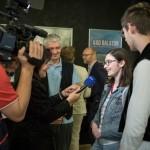 A 2. helyezett Zeitreiser tagjai interjú közben /  Mitglieder des Teams Zeitreiser, die Zweitplatzierten, geben  ein Interview