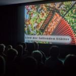 A versenyre beküldött mind a 301 alkotás is látható /  Alle 301 Bilder des Wettbewerbs waren in einer Projektion zu sehen