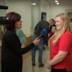 Ruppert Blanka Anitával, a Zentrum különdíjasával az Unser Bildschirm készített interjút / Zentrum-Sondepreisträgerin Blanka Anita Ruppert gibt Unser Bildschirm ein Interview